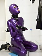 Purple shiny latex girl forced to clean all joints in the clinic room with toothbrush